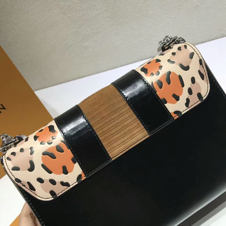 路易威登包包批发 Twist50271 造型清贵低调 简单大方