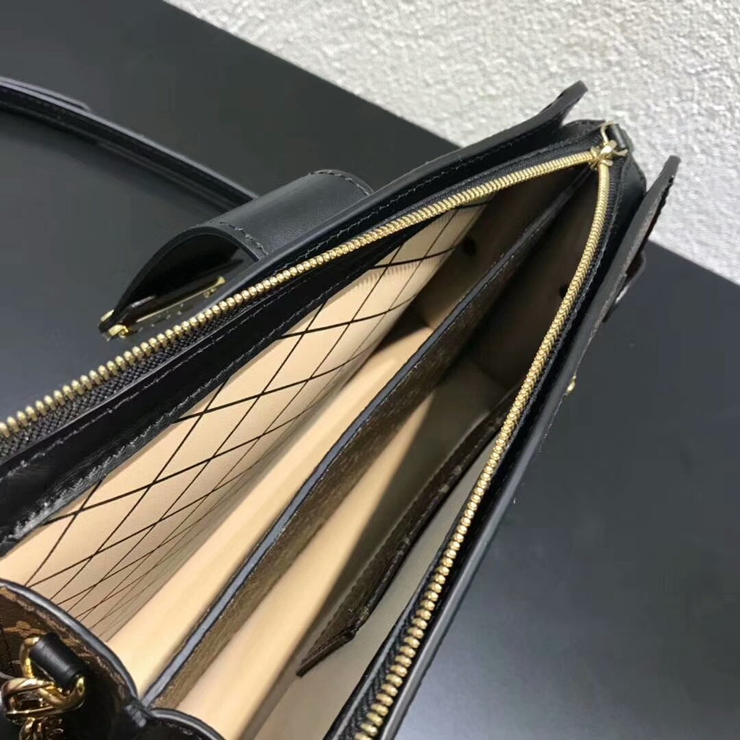 广州包包批发市场 LV限量版软盒53052 高颜值还实用