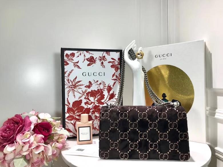 GUCCI Dionysus 499623 咖啡色 天鹅绒精心制作,滑链带有多种背法 25×13.5×7cm
