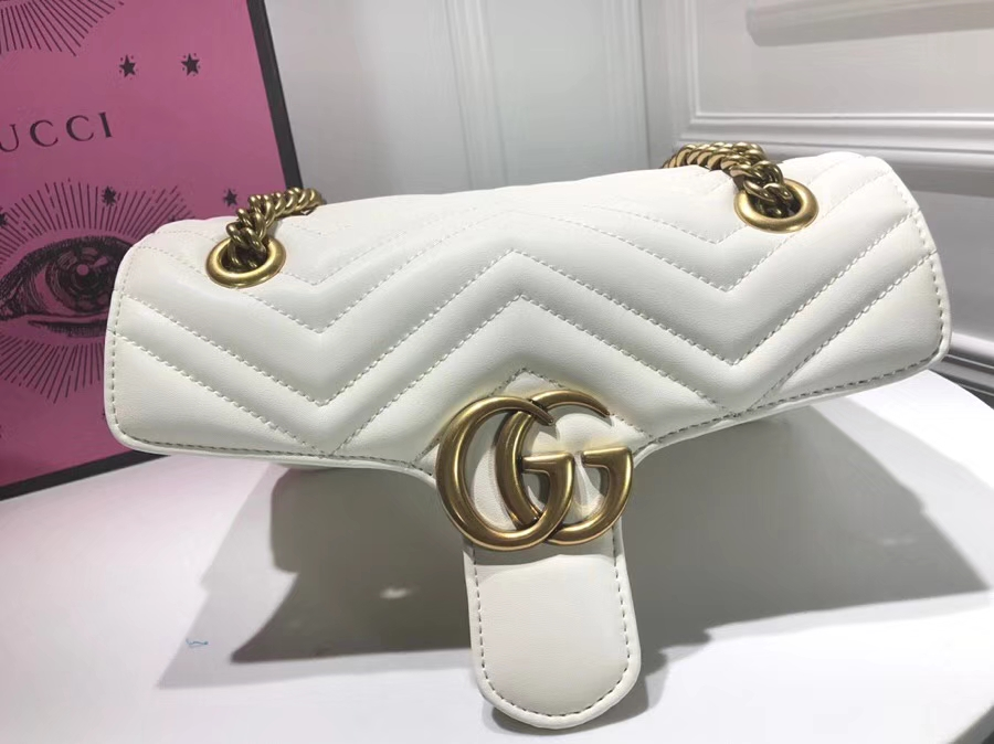 GUCCI 家最新 Marmont 绗缝链条包 443497 白色 链带波浪纹肩背包 牛皮面料尽显时尚魅力 26cm