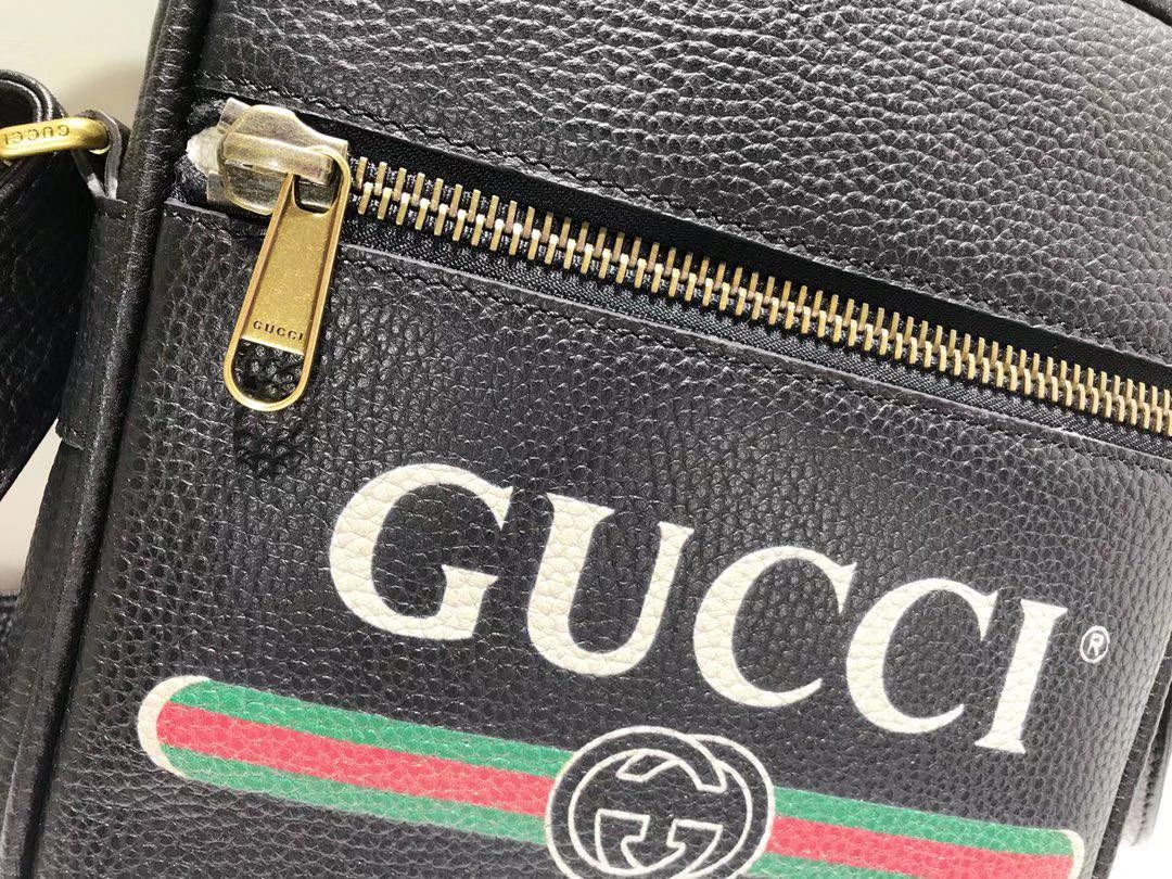 GUCCI 2018年新款斜挎包 523591 进口特制牛皮革搭配进口骨圈 复古图案涂鸦元素 20×15×7cm