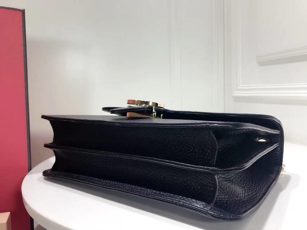 GUCCI 全新爆款 小方包 510303 黑色 进口五金配件 皮质柔软 设计玩味时尚 28×19×7cm