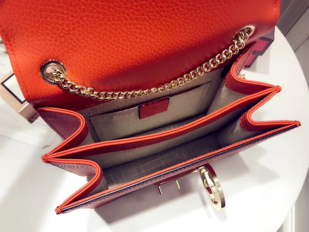 GUCCI 全新爆款小方包 510304 西瓜红 进口五金配件 皮质柔软 设计玩味时尚 20×15×7.5cm