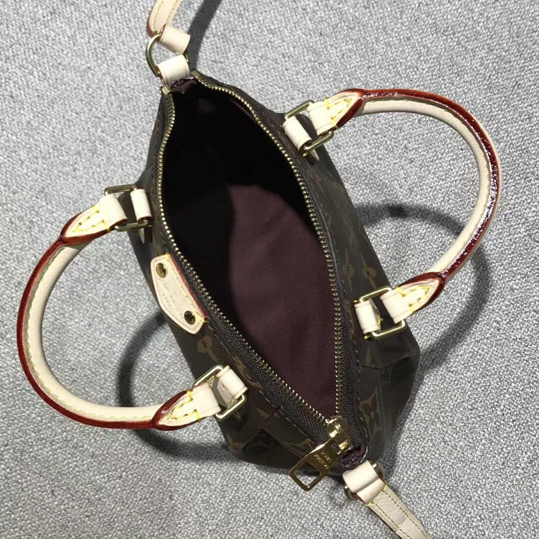 广州白云皮具城 Louis Vuitton 61257经典可爱手袋 迷你款 进口白皮 老花