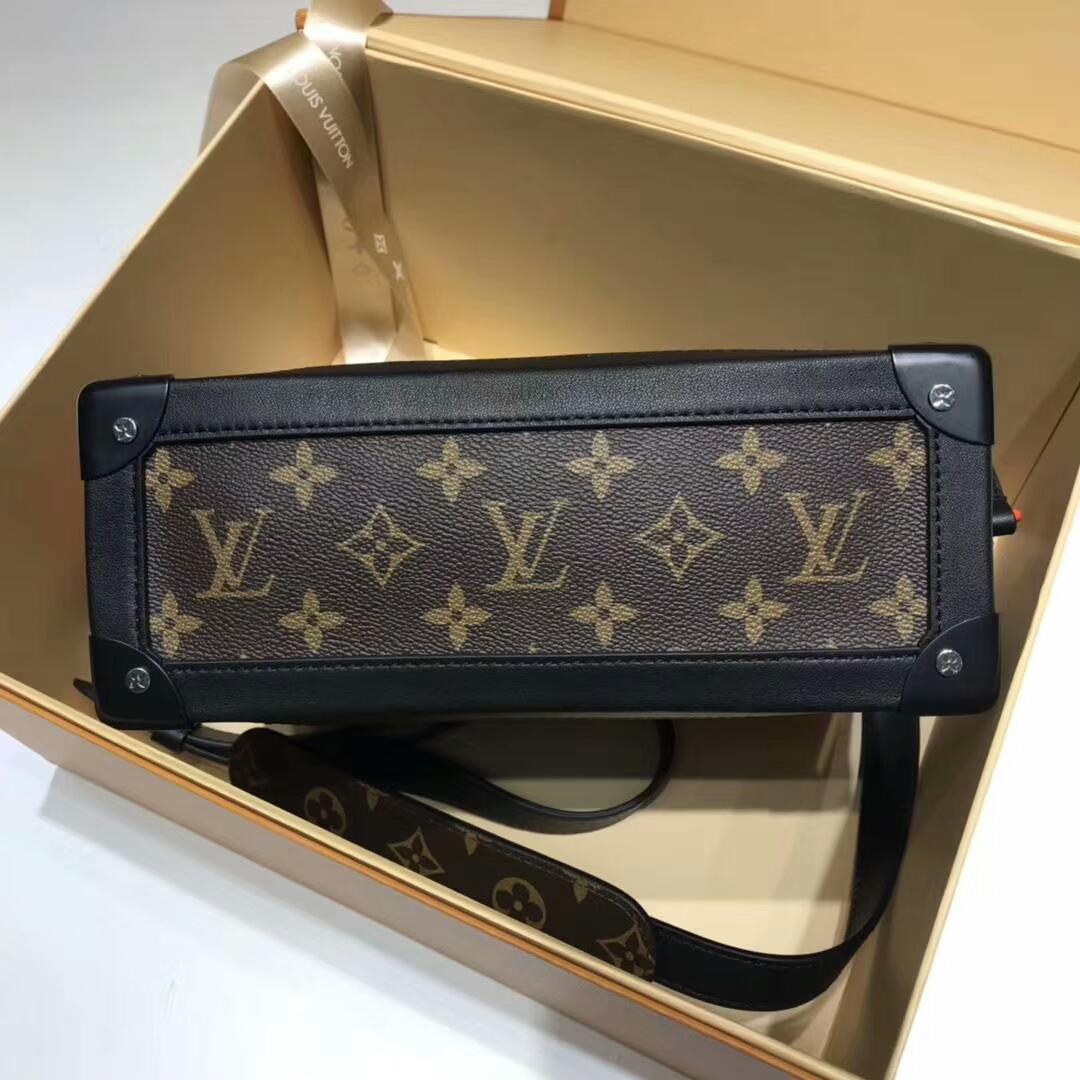 路易威登官网 设计师VirgilAbloh首发单品盒子44427 引爆时装秀