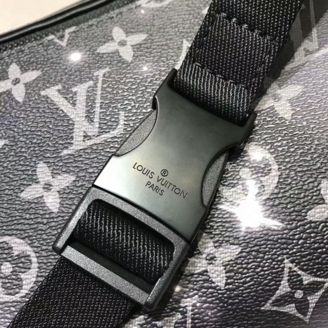 路易威登官网 星空Galaxy系列腰包44455 经典百搭款式 搭配Monogram材质的老花图案