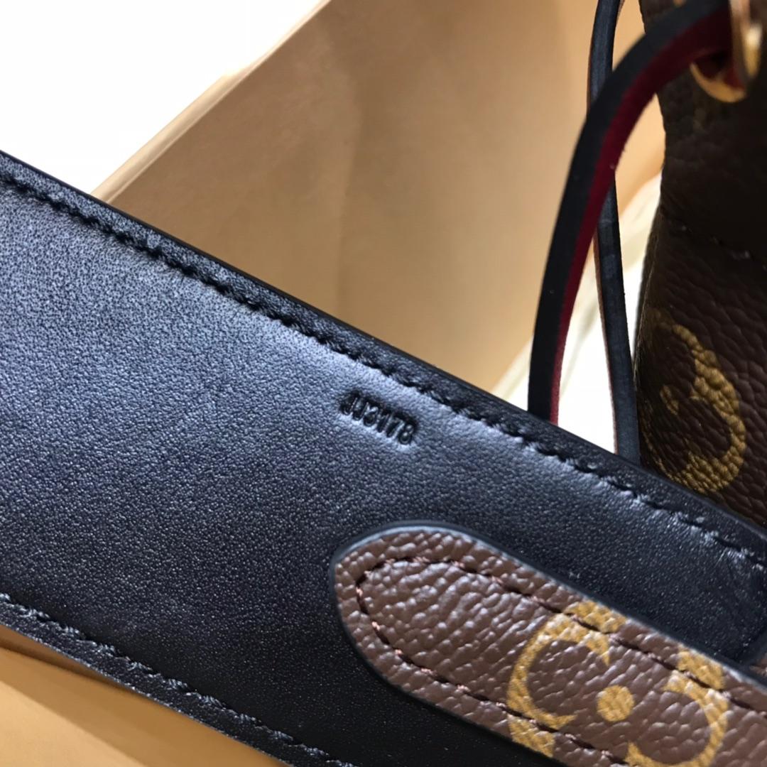 广州白云皮具城 2019最新抽绳开口的迷你水桶包44027 可以自己随意搭配肩带或丝巾