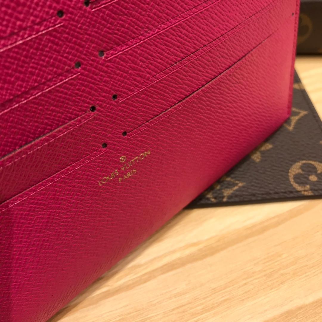 路易威登官网 2019情人节限定版最新徽章系列三件套44370 3D效果的可爱徽章 别具一格的浪漫