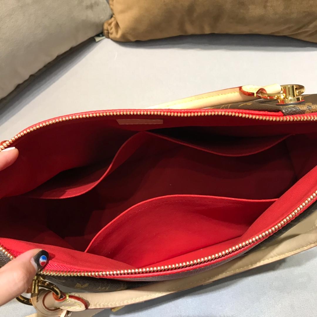秋冬新出炉 LV TOTE手袋大号43722 经典帆布和小牛皮拼接 中间V字型设计 皮质软而轻