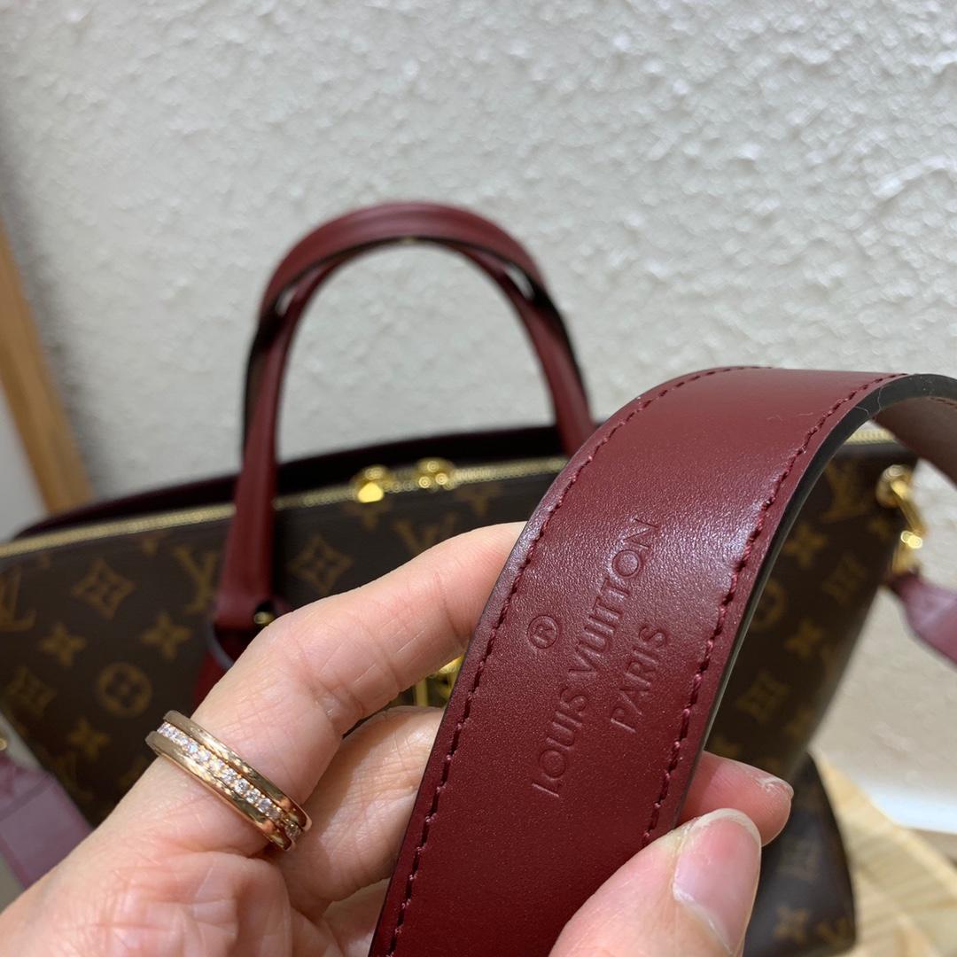 LV新款花锁包 容量超大实用性很强 包身经典老花搭配光滑的皮革手柄