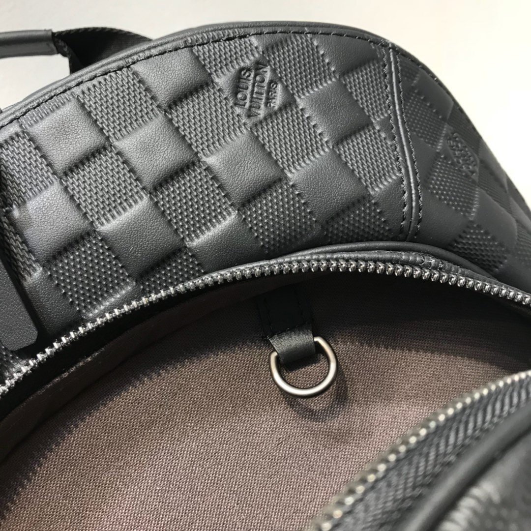 【¥2250】路易威登男包 41330原版牛皮全皮压花双肩包后背包 黑色