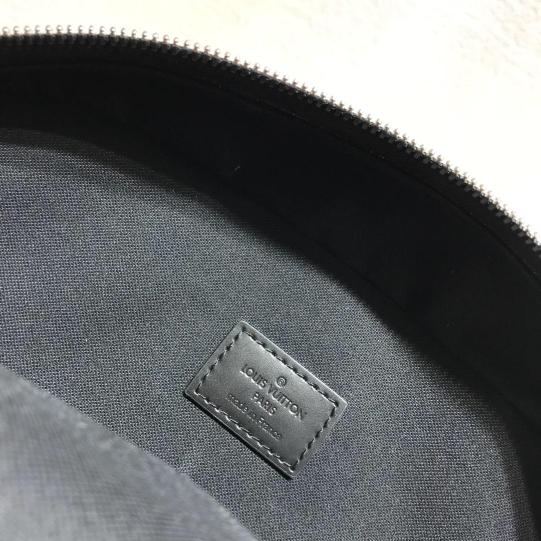 LV男士双肩包 都市型男首选41330 众多口袋和隔层 非常实用