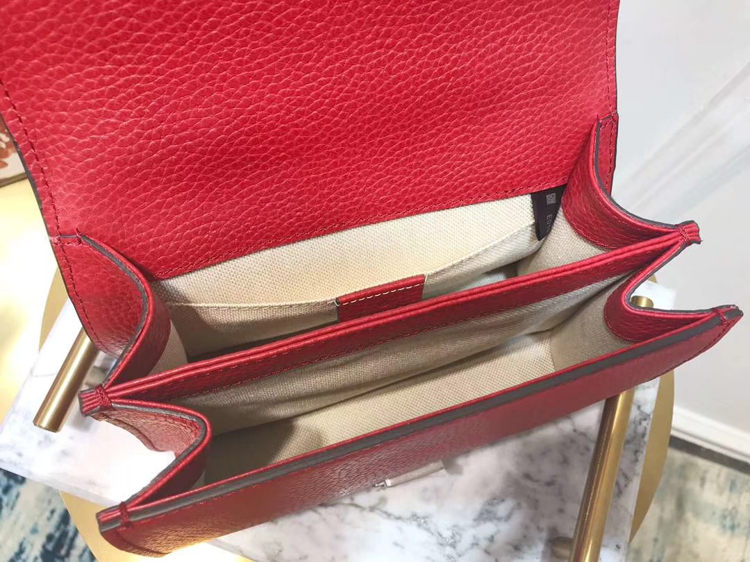 GUCCI(古驰)523367 双G虎头扣 红色 精选原版小牛皮 天然竹节手柄 双长肩带 20×14×11cm