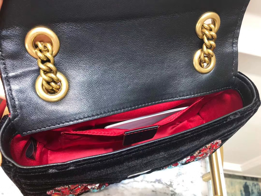 GUCCI(古驰)Marmont 花朵刺绣条包 446744 黑色 天鹅丝绒 时尚博主名模明星最新爱宠小包 22cm