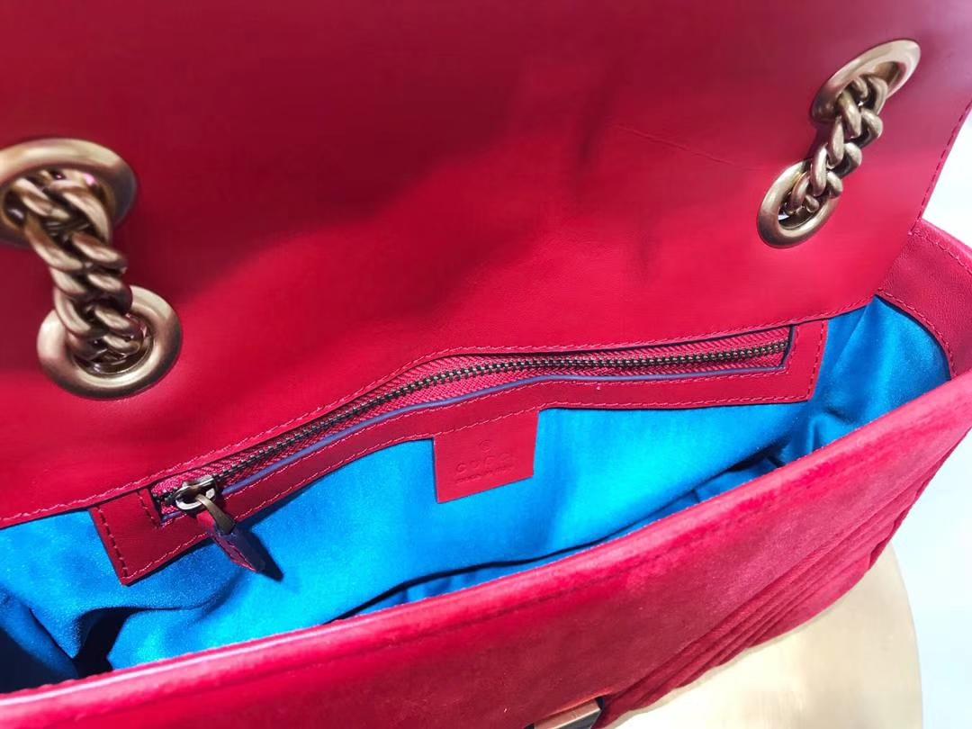 GUCCI(古驰)最新Marmont 绗缝链带波浪纹肩背包 443497 红色 天鹅丝绒面料 名模明星最新爱宠