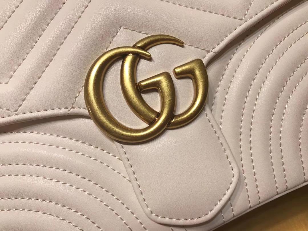 GUCCI(古驰)Marmont绗缝波浪纹肩背包 498100 白色 双G logo 文艺浪漫 手提式新系列 25×19×8cm