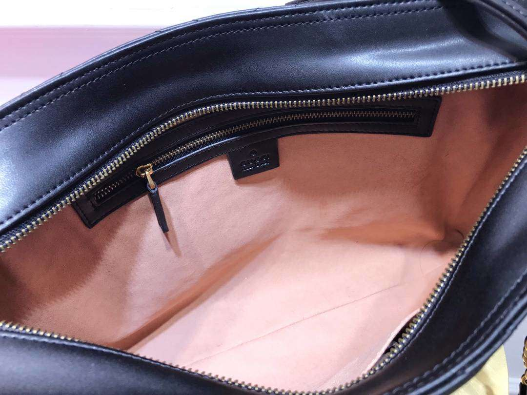 GUCCI(古驰)Marmont 绗缝链条波浪纹肩背包 524578 黑色 牛皮面料 名模明星最新爱宠 39×27.5×6cm