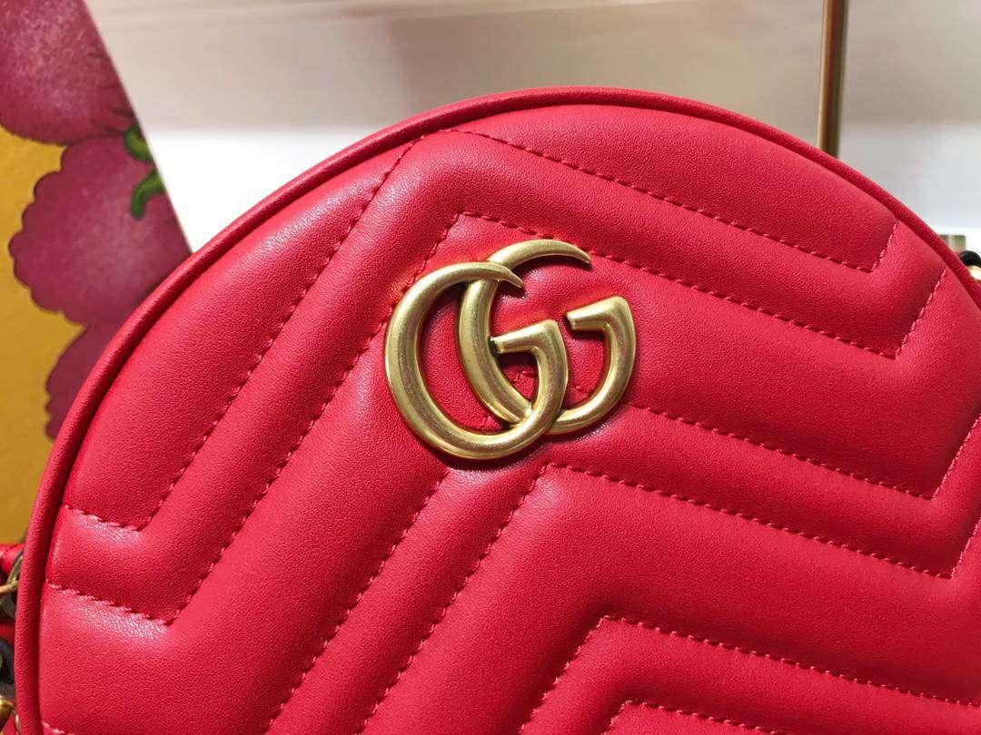 GUCCI(古驰)Marmont 全新圆形斜挎包 550154 红色 标志性的双G logo 复古而华丽 18.5×18.5×6.5cm