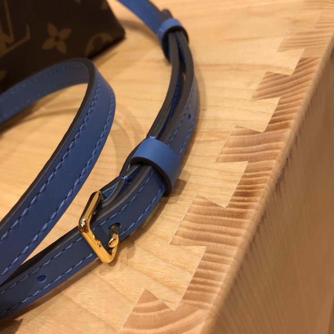 路易威登官网 最新Locky小邮差包44321 很有质感的五金锁 老花拼蓝色