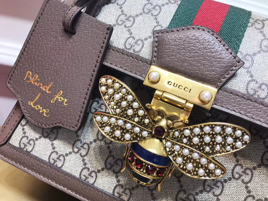 GUCCI(古驰)Queen Margaret 476541  融入Ophidia元素 复古设计蜜蜂锁扣 镶嵌玻璃珍珠和彩色水晶 25.5×17.5×13cm