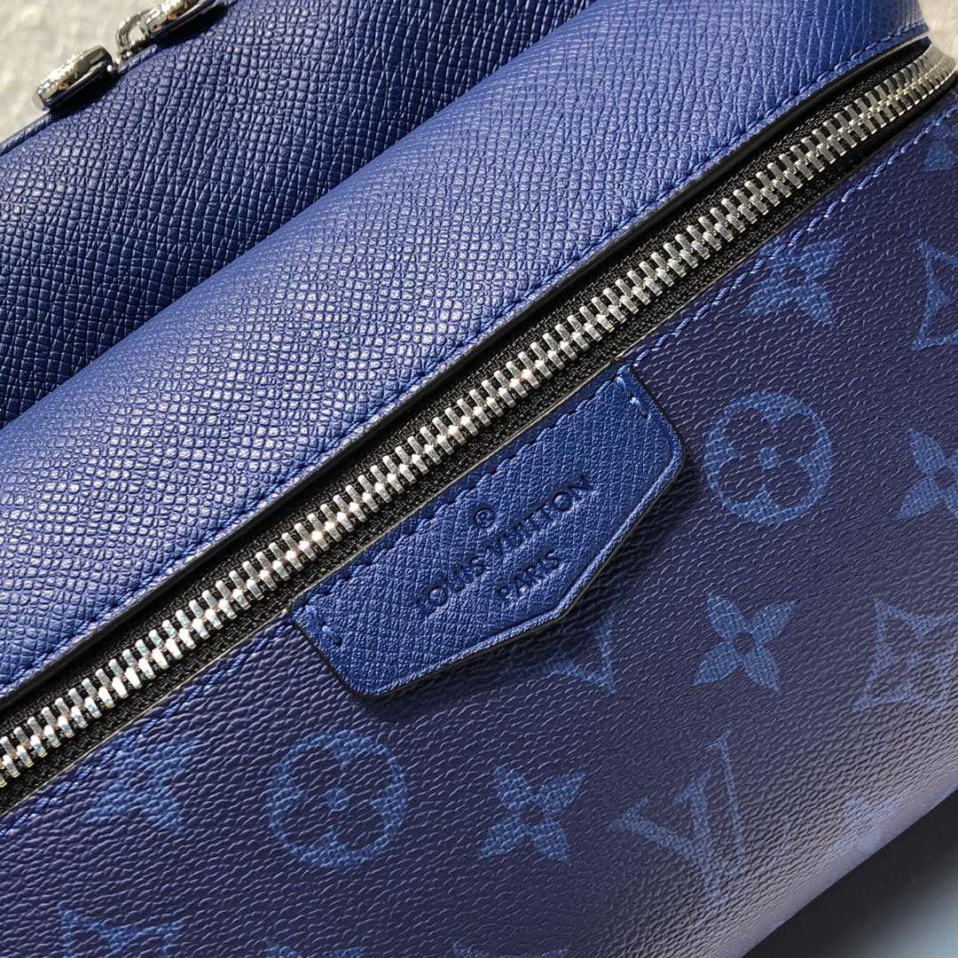 LV最新 Taigarama系列43843 结合了品牌经典的taiga皮质和Monogram帆布