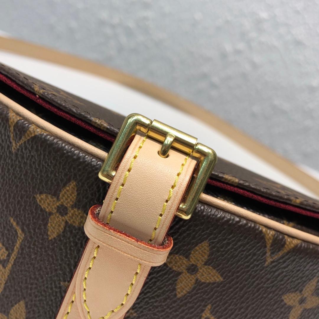 【¥750】LV包包批发 中古小猪包45449 穿搭利器 形状很可爱 包身立体所以容量很充足