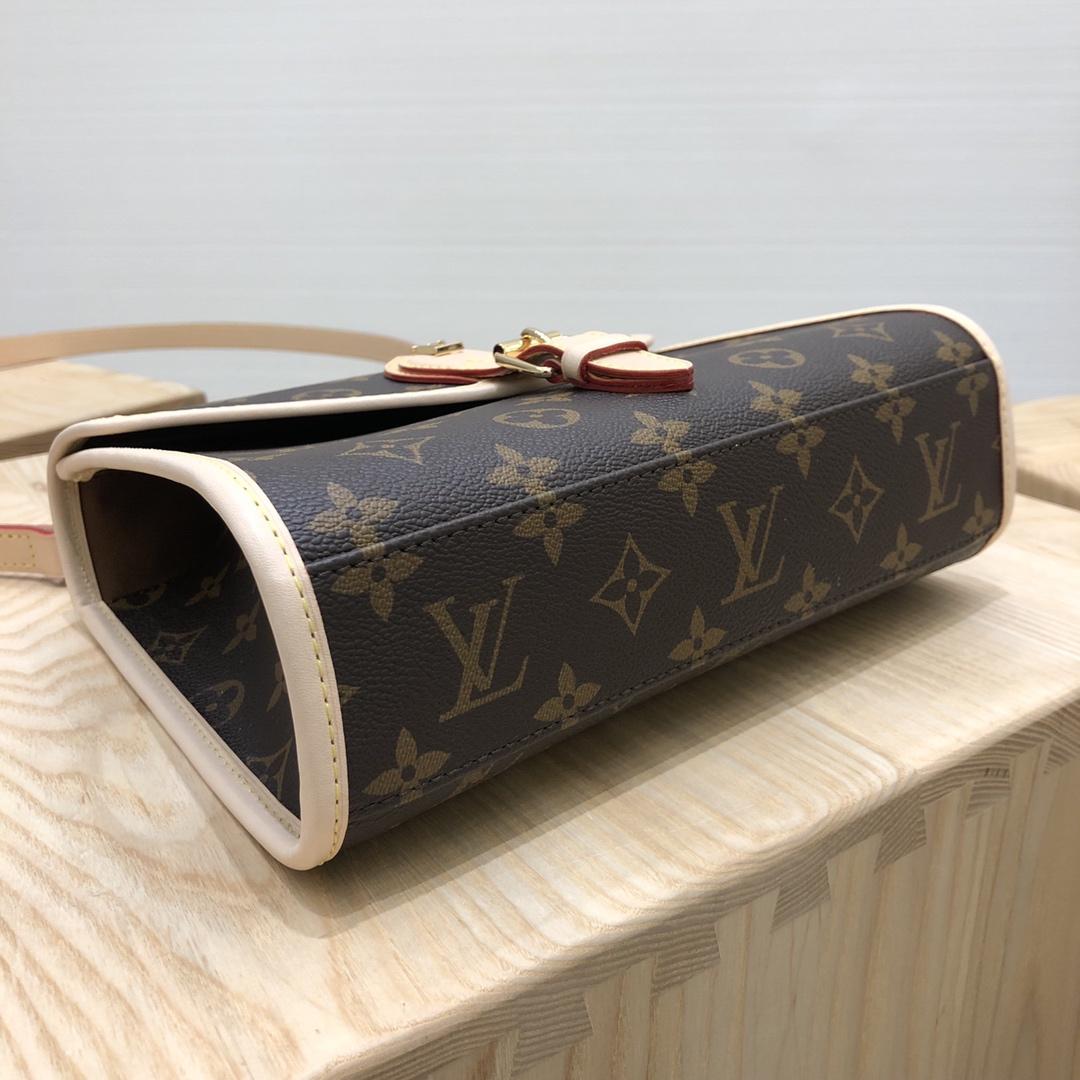 【¥980】LV包包批发 新版公文邮差小号42272 复古干练实用