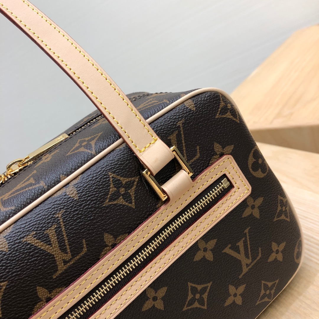 【¥980】LV包包批发 老花砖块包大号45388 经典韵味