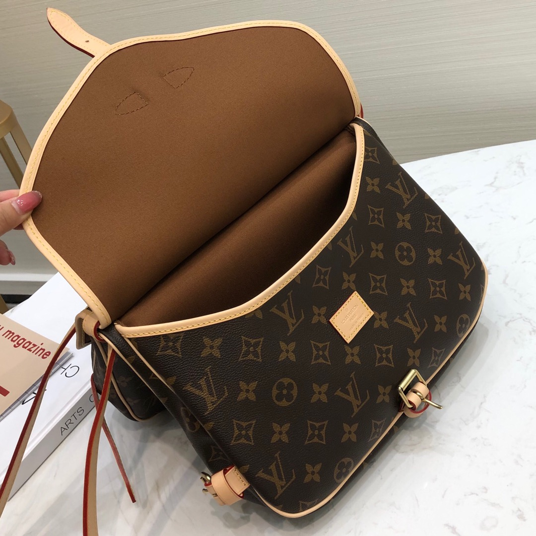 【¥950】LV双子星双面包45468 有两个独立的包袋 男女都能背 复古且英伦风十足