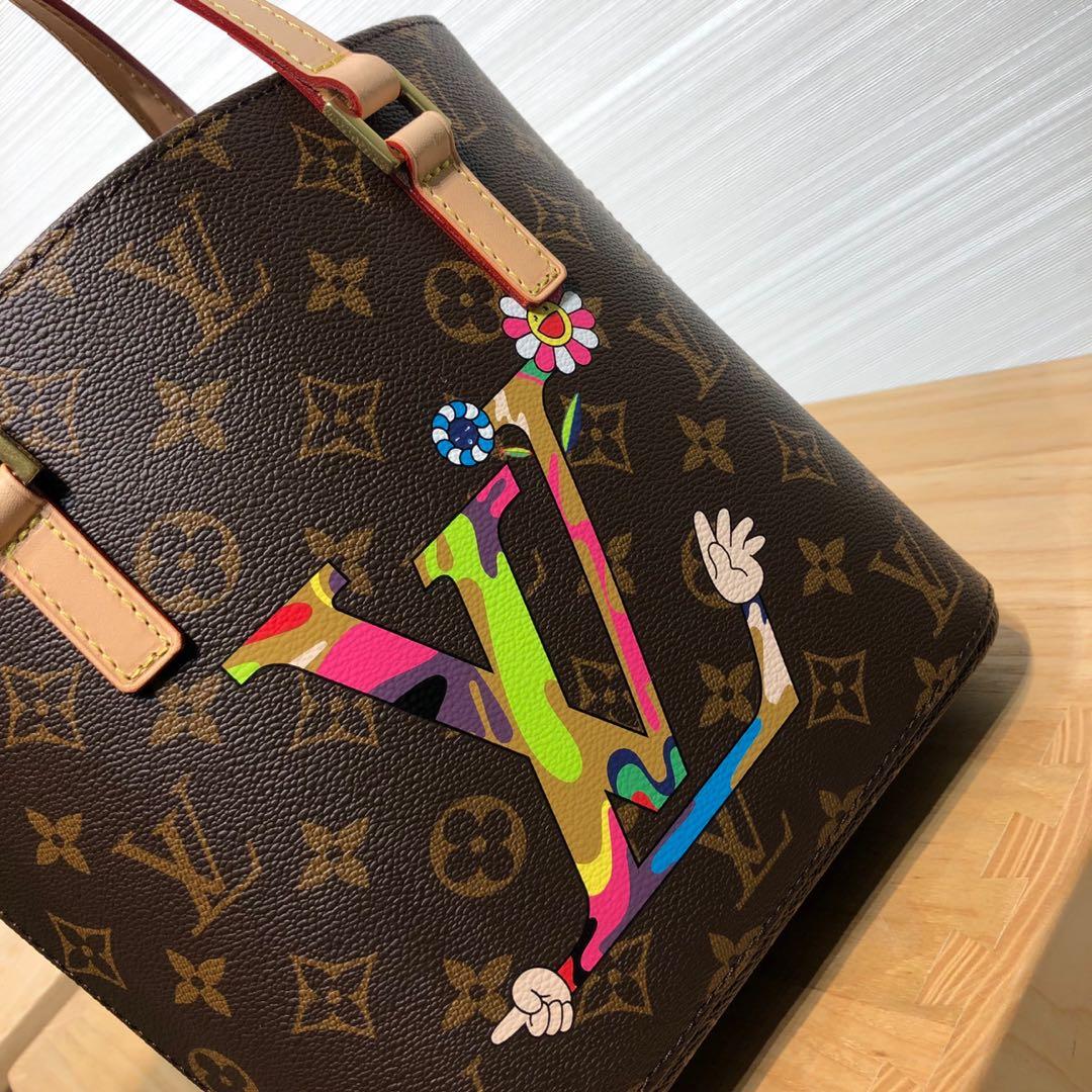 【¥750】广州白云皮具城 LV村上隆合作限量款手提袋50712 调皮可爱且独特的风格设计