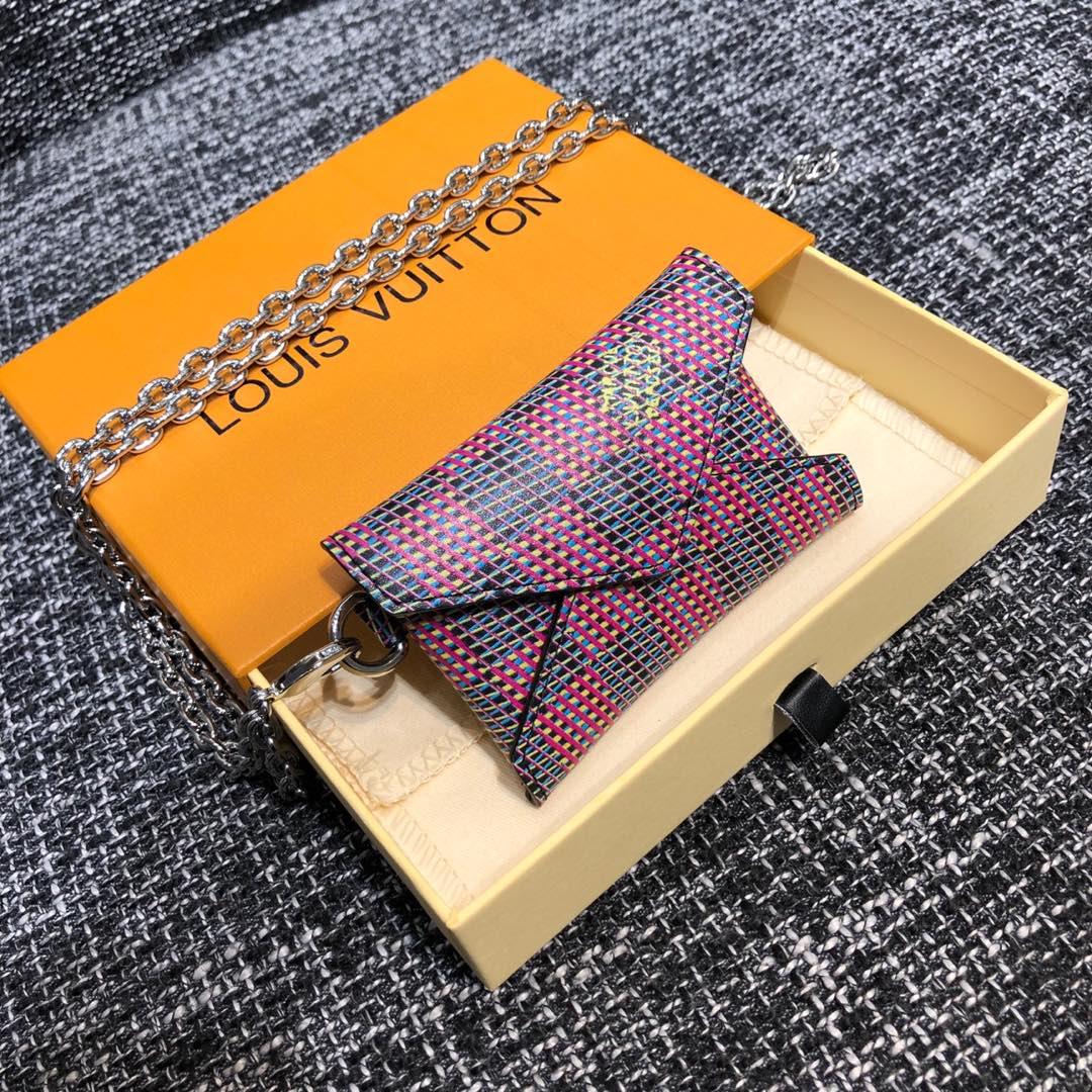 路易威登官网 2019秋冬幻影系列卡包44170 Monogram lv Pop印花 3D印花工艺