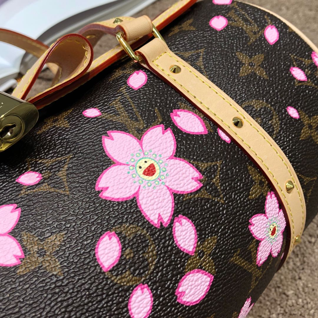 【¥750】广州白云皮具城 LV村上隆樱花限量版枕头包67764 樱花跟蝴蝶结的结合