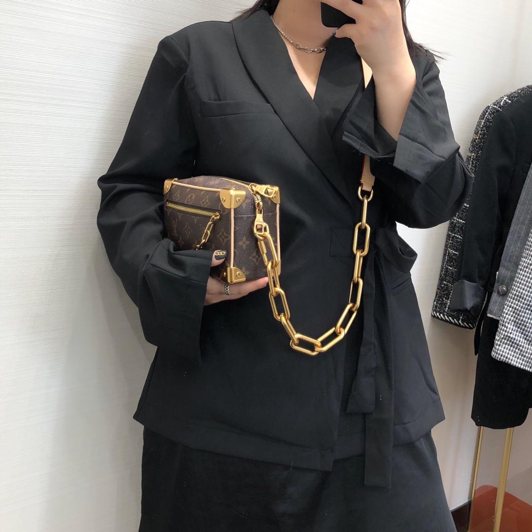 【¥1150】LV包包工厂 2020年男士春夏系列方盒44435 精致复古 经典又活力