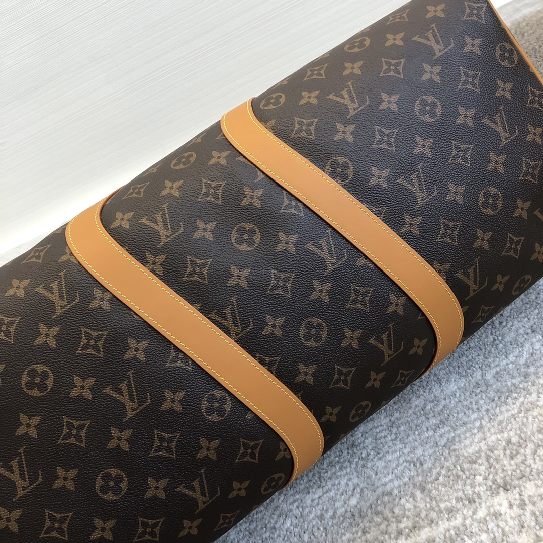 LV男包 2020年男士春夏系列旅行袋50715 老花搭配金链条 经典又带点活力