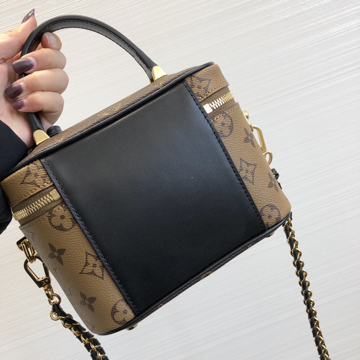 LV包包 2020春夏新款复古风化妆箱包50138 全新链条设计超级酷
