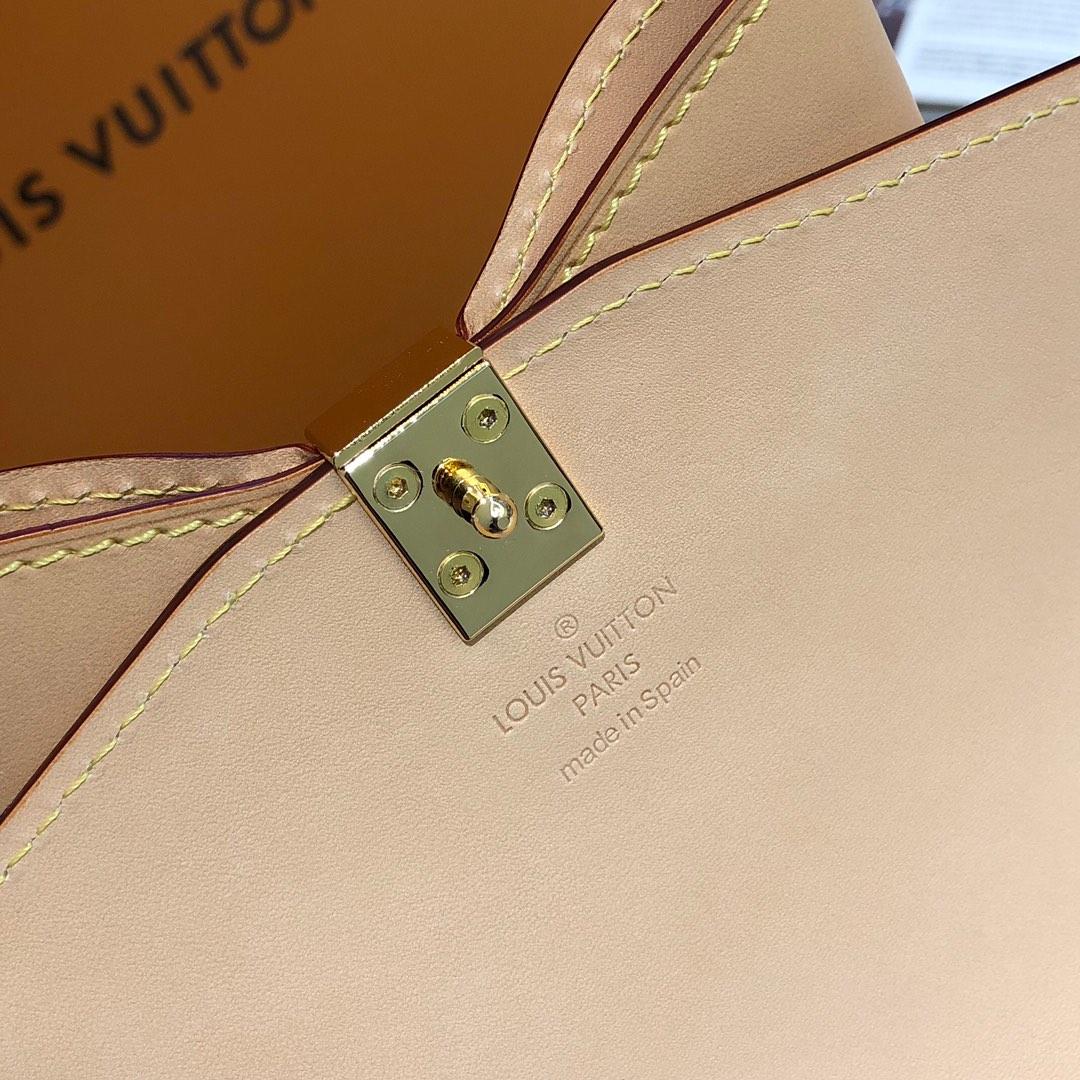 路易威登官网 LV村上隆樱花限量版麻将包67762 樱花跟蝴蝶结的结合 少女心爆发