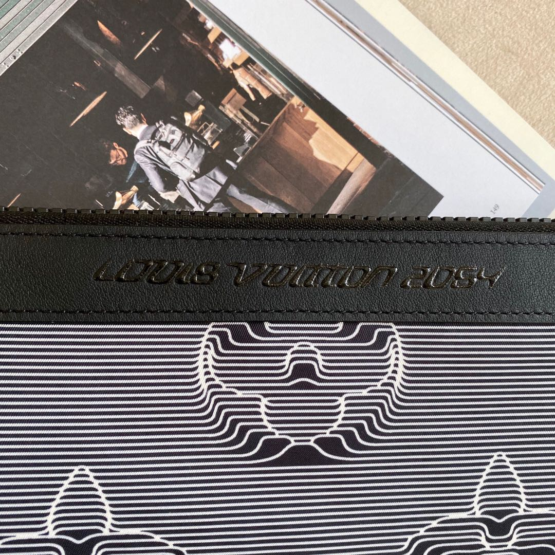 路易威登包包 LV2054双面系列手包50307 新一季时尚单品俩面风 随心转换一包俩用