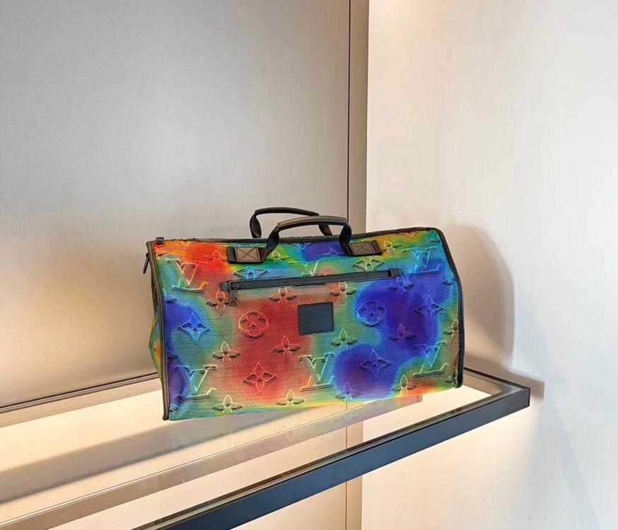 路易威登男包 LV2054双面系列旅行袋50301 新一季时尚单品俩面风 独特设计