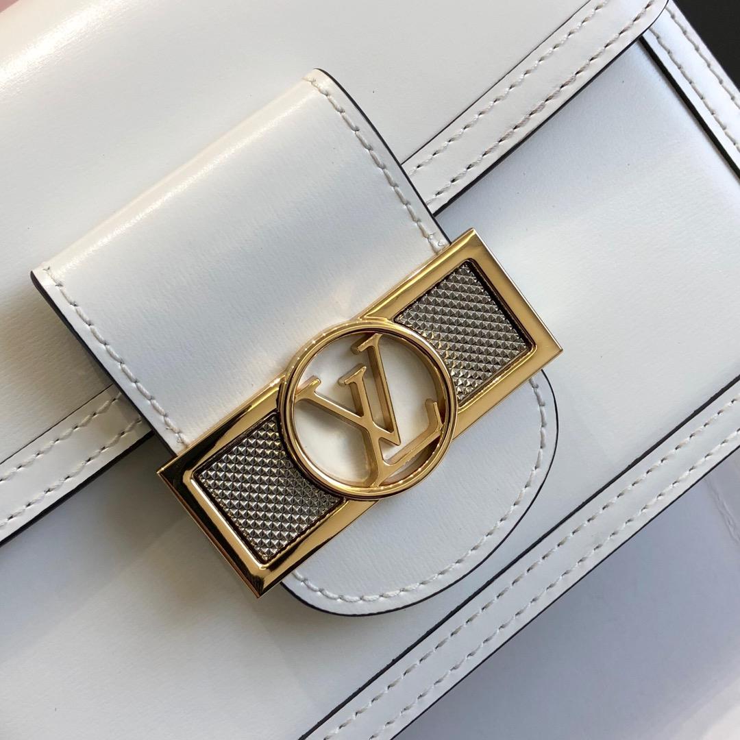 LV包包官网 达芙妮秋冬新颜色44162 包型简单又好搭配 简洁的设计不容易过时