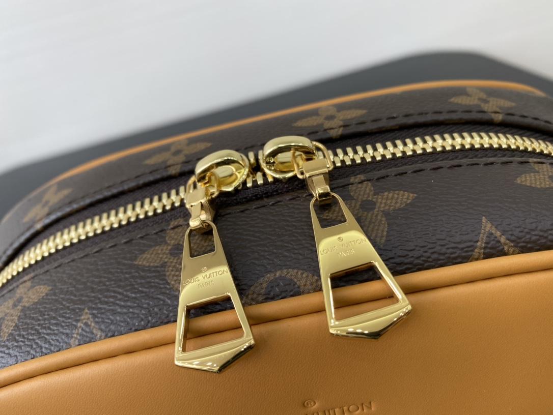【¥800】LV包包 2020年春夏秀场Mini Luggage45228 隽永的Monogram帆布勾勒精巧构型