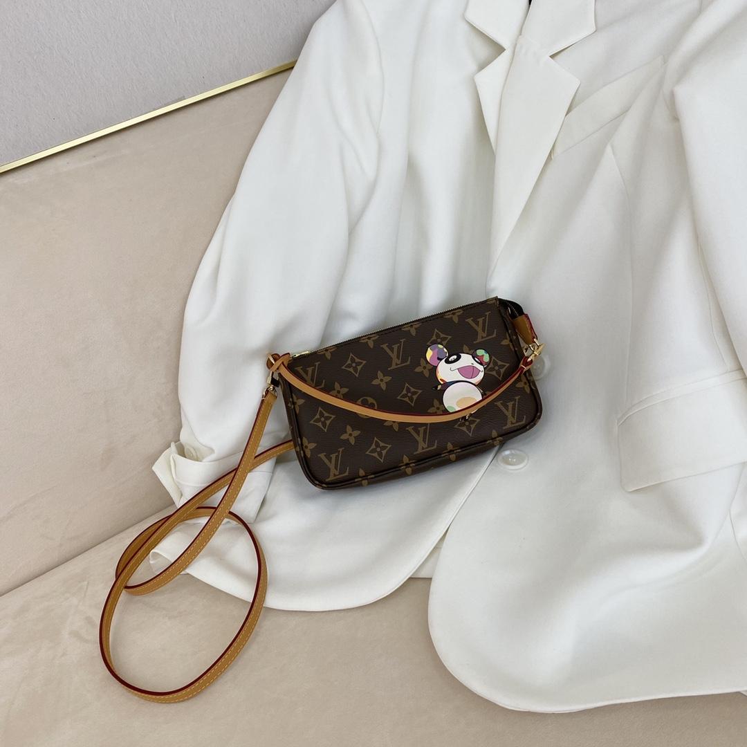 【¥560】广州白云皮具城 LV村上隆合作限量款挎包50718 调皮可爱且独特的风格设计