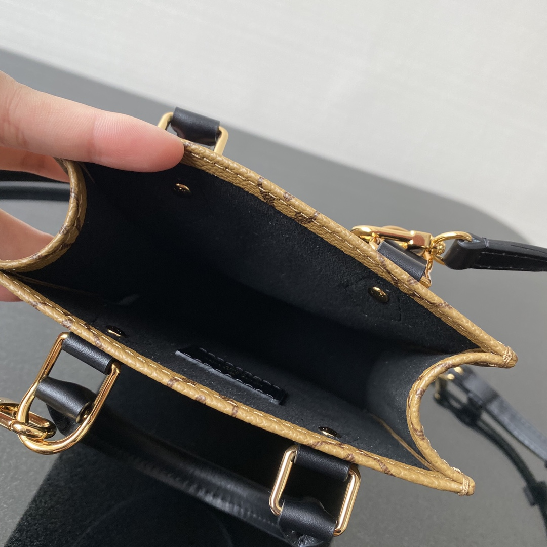 【¥630】LV爆款 Mini风琴包57097 复古且简约 随性百搭