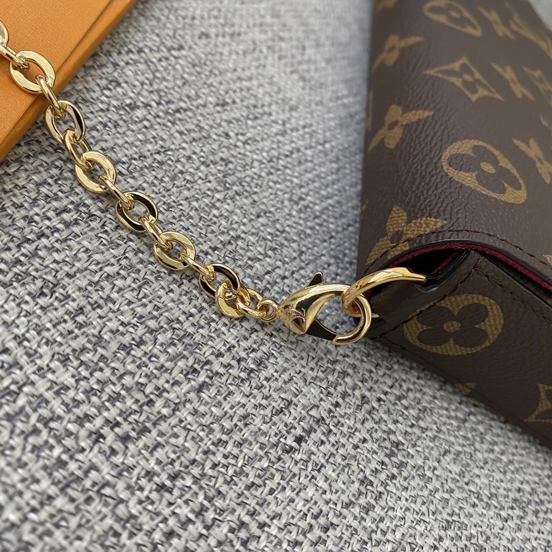 【¥720】驴家经典三件套链条包61276 小巧轻便 卡位一体 适合任何穿搭