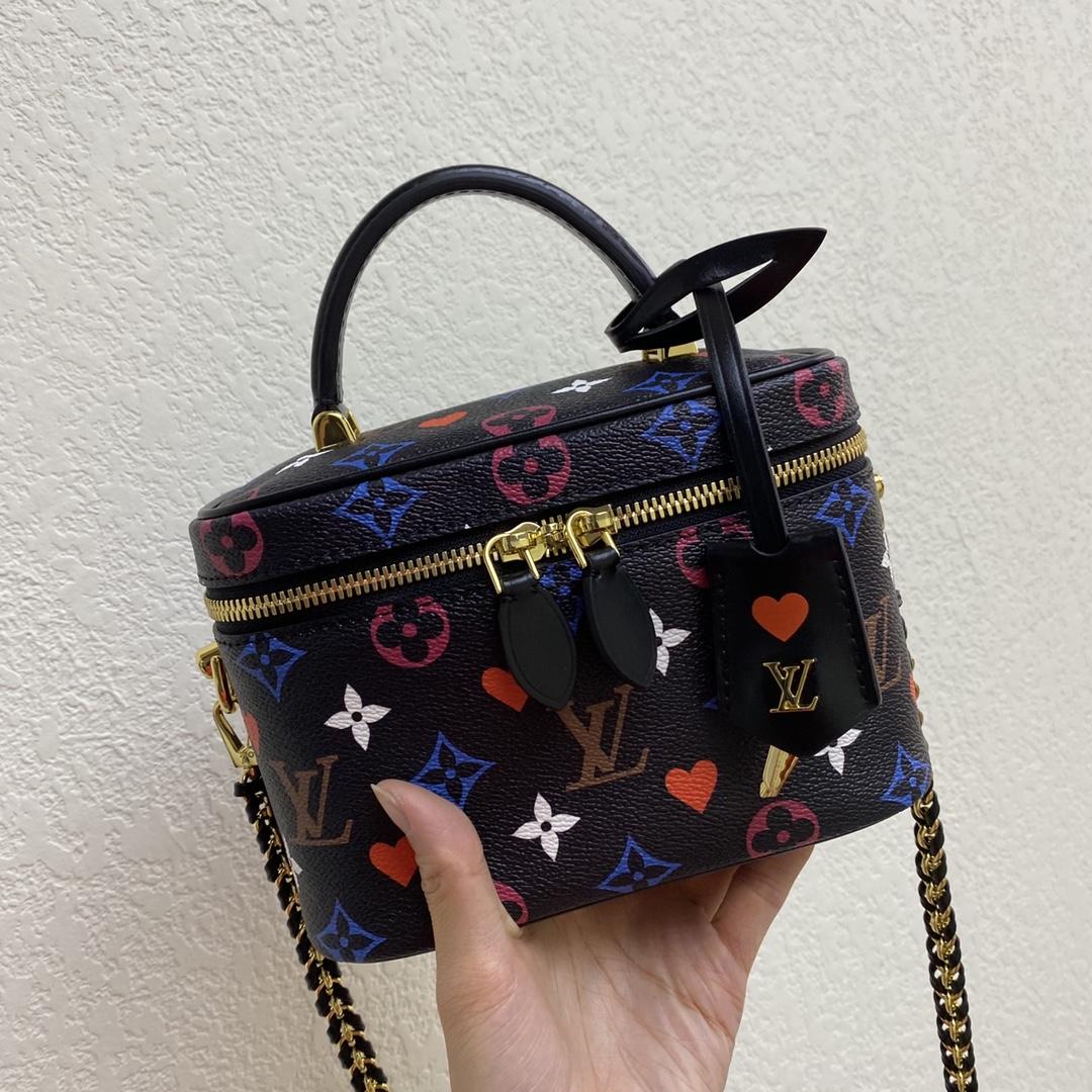 【¥1020】LV包包 2020春夏新款复古风化妆箱包黑彩50138 全新链条设计超级酷