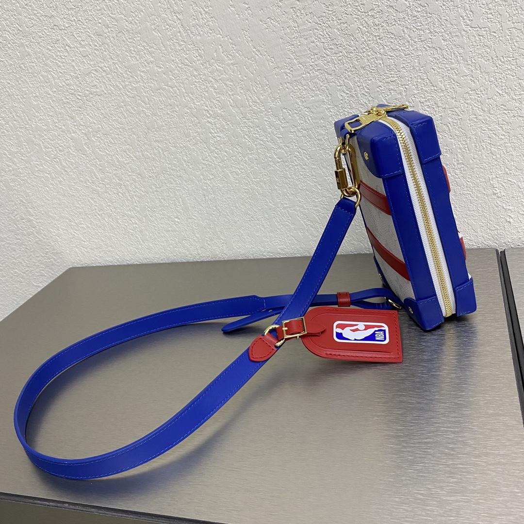 【¥1150】NBA限量联名系列胸包80101 满满的直男风 随意的运动感