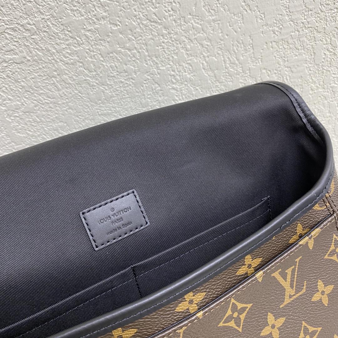 【¥900】LV新款男士邮差包45557 简单百搭 偏中性风