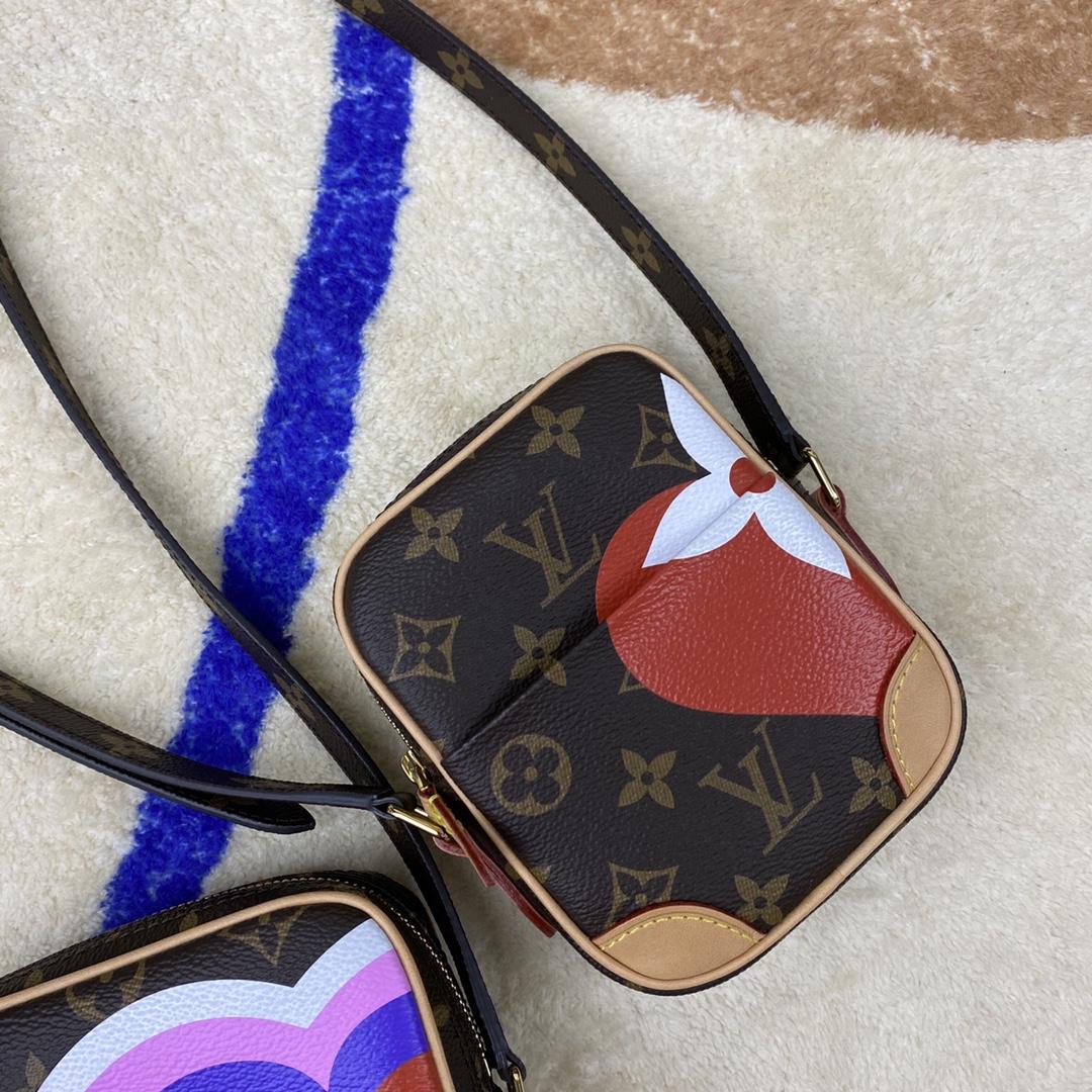 【¥1200】LV扑克牌系列子母包41102 经典老花纹上加入了扑克牌的黑桃红心