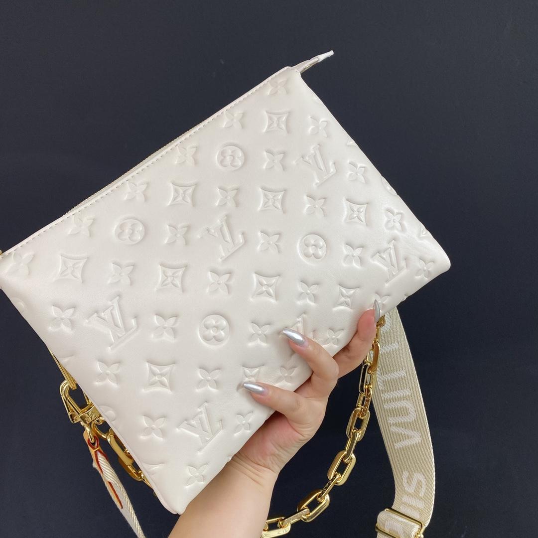 【¥1480】2021新款55973 明亮简约的配色和设计 大方时尚 时髦摩登感十足