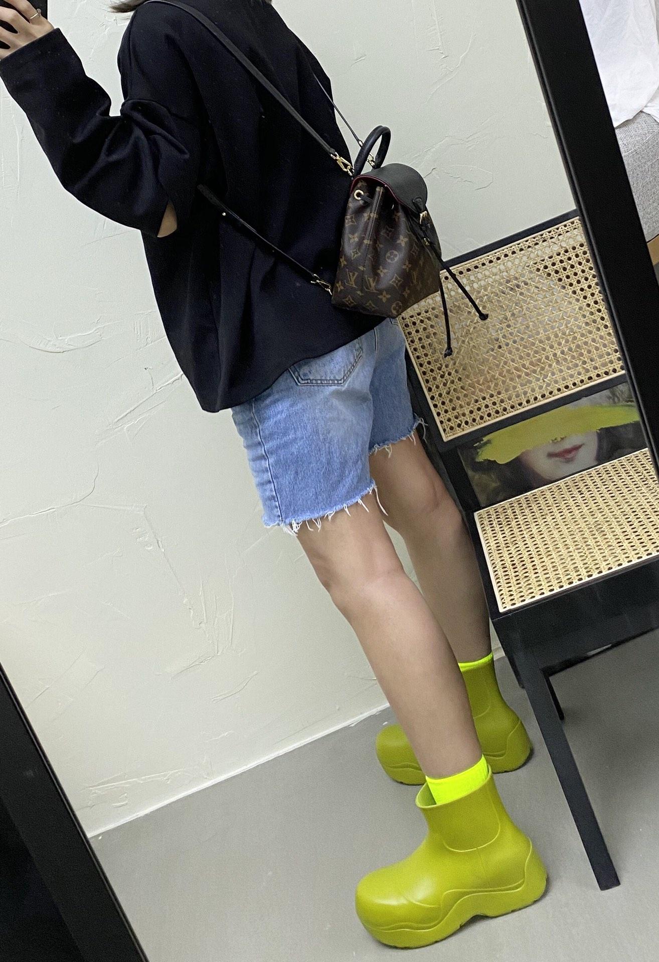 【¥1100】2020新版背包小号 冬季MontsourisBB背包45502 又是一个小可爱,换季首选