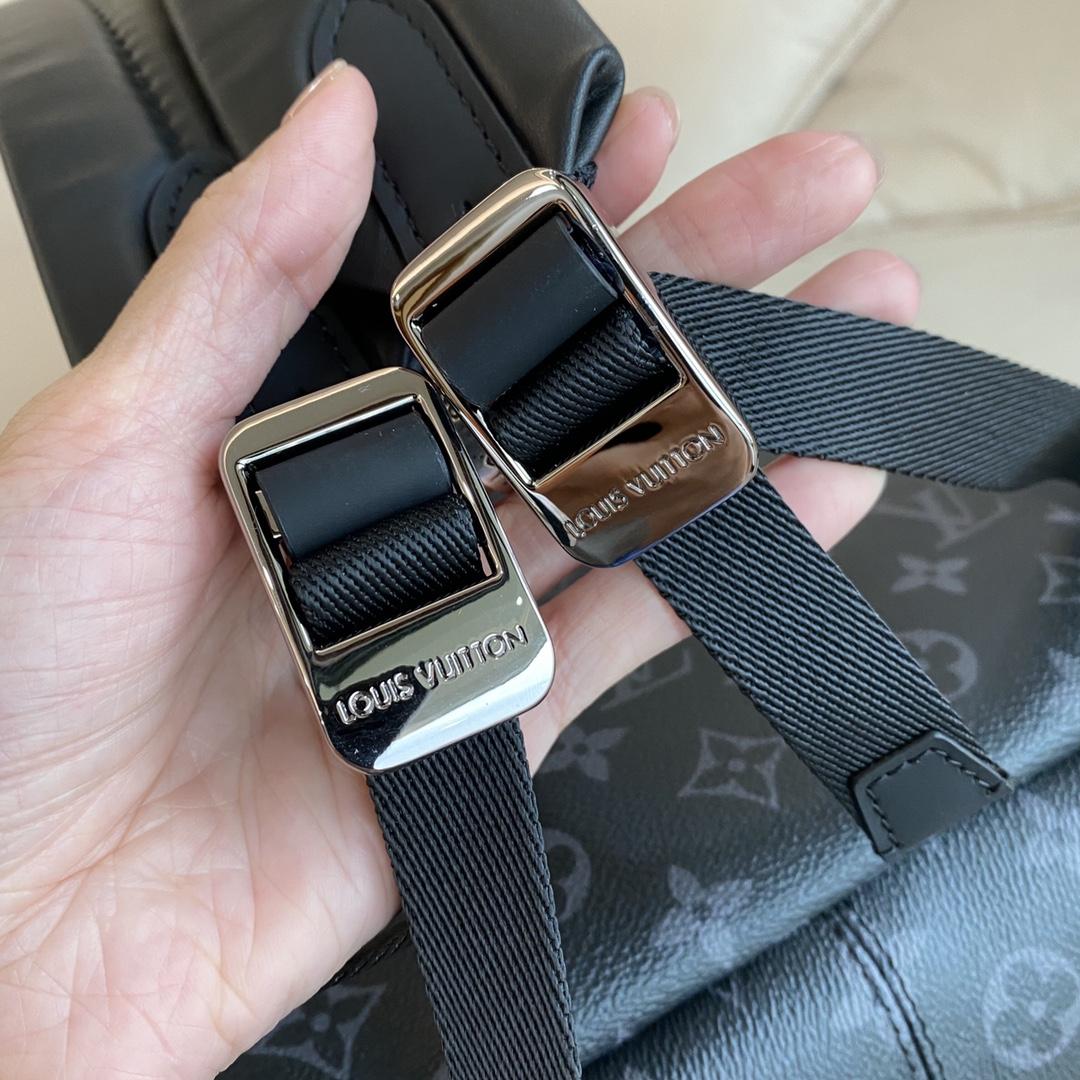 【¥1200】LV经典背包45218 自重很轻 面料柔软 款式简单大方有内涵